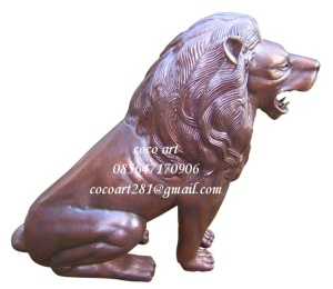 patung singa raja logam tembaga kuningan